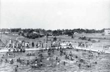 This swimming pool was one of few recreational opportunities for blacks in Charlotte in the years before desegregation. SECOND WARD ALUMNI ASSOCIATION.