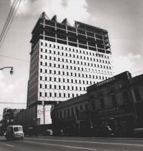 Wachovia Bank Building under construction