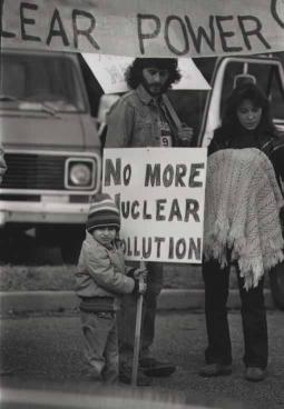 Anti-nuclear family